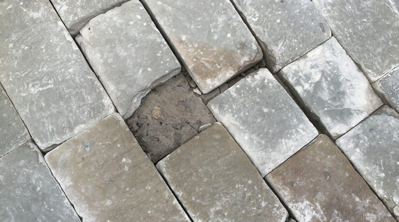 Paving cobbles in poor condition